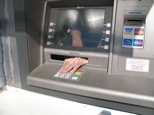 какую максимальную сумму можно внести на карту сбербанка через банкомат
